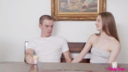 голые мужчины одетые жещины