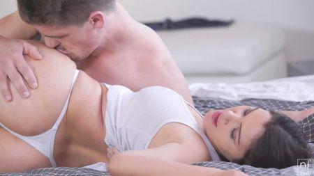 Секс Видео Лесби Секс Первый Раз